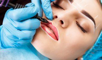 séance de maquillage permanent